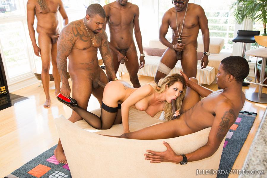 Candice patton nude photos