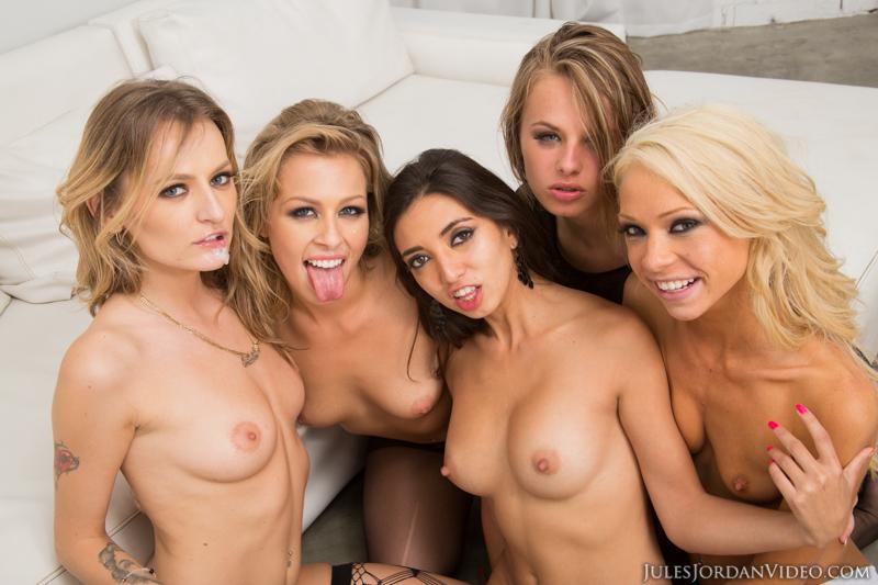Sexy mature women nude pics